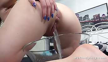 Svelte long legged nympho Tera Link is so into petting her wet pussy